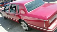 1995 Lincoln Town car 1 ELDERLY OWNER Very reliabl