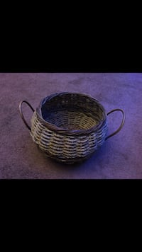Beautiful Wicker Woven Decorative Basket  San Fernando, 91340