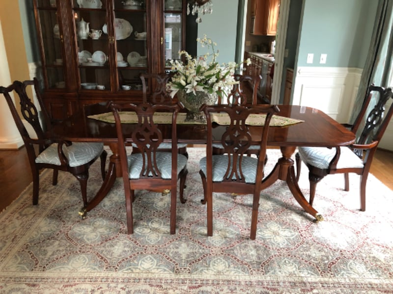 High End Vintage Century Dining Room Ensemble - Exceptional Condition bc854e20-a78a-4219-8ad2-4a49fc6fa01a