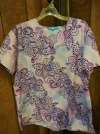 Large Scrub Top Never Worn Hagerstown, 21740
