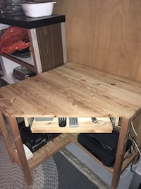 corner table w pullout tray Vaughan
