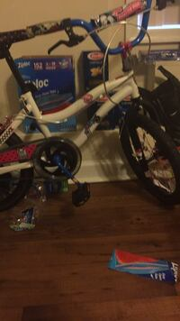 toddler's white and blue bicycle Waldorf, 20601
