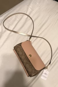 *NEVER USED* Coach purse
