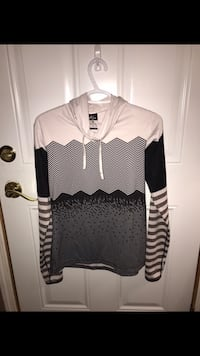 Women's NIKE DRI-FIT Long Sleeve with Hood SZ M Perfect Condition  London, N6A 1J1