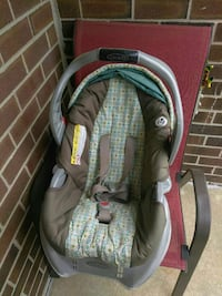 baby's grey and brown Graco car seat carrier Vineland, 08361