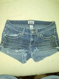 Size 1 MUDD jean shorts. Excellent condition Bakersfield, 93308