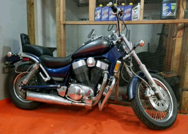 used 2001 suzuki intruder 1400 1800 obo for sale in st augustine letgo. Black Bedroom Furniture Sets. Home Design Ideas