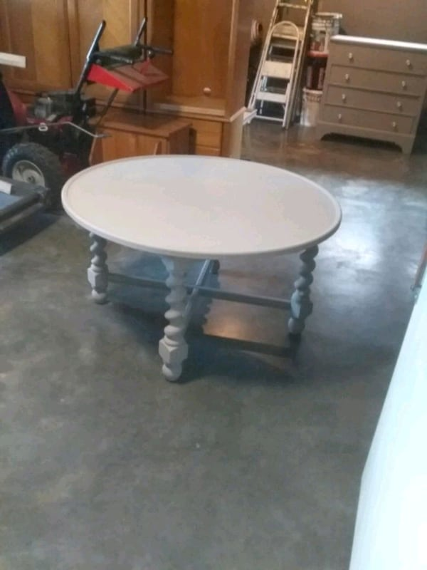 Wood stand or coffee table  painted light gray  23 high 42 wide a38cff6b-a791-458c-8d04-d24d202fa3e4