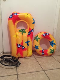 baby's two yellow and blue bouncer seats Edinburg, 78541