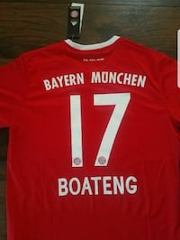 red and white Bayern Munchen 17 sports jersey Ontario, 91761
