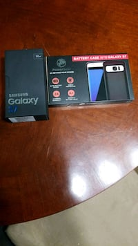 32gb Galaxy s7 and brand new battery case  West Allis, 53219