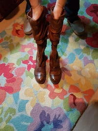 Designer Leather Boots Size 9 by Curio