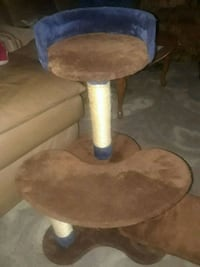 CAT TREE NOT USED. EXCELLENT CONDITION