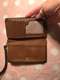 Authentic michael kors wristlet Toronto, M4K 3G7