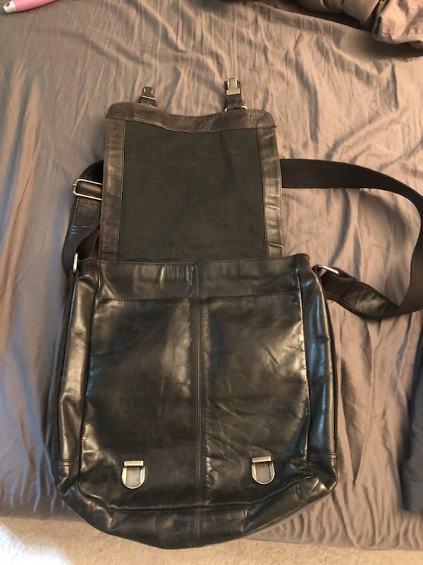 Leather Fossil men's messenger bag 1