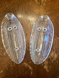 Set of two vintage corn on the cob ear shaped heavy glass dishes Toronto, M6L 1A4