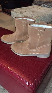 Pair of brown suede boots 7,5 medium Stafford, 22556