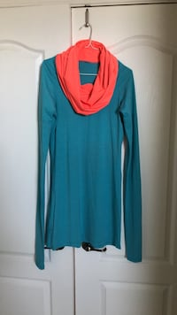 women's blue and red long-sleeved dress Gatineau, J8T 5H8