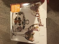 New in box 6 piece wine and cheese set Medina, 44256