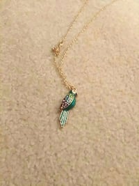 green bird pendant gold chain necklace Abbotsford, V2T 4J1