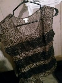 Leopard top xs St. Catharines, L2W 1B6
