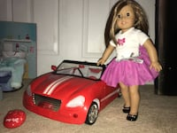 American Girl, Complete Spa/Salon Set, Working Car, And Multiple Clothes. Las Vegas