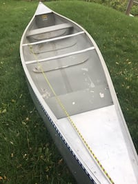 15 ft michi craft canoe mint condition. Trades ? Rochester, 14621