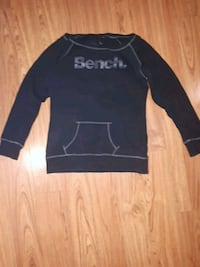 Bench Sweater size Large Toronto, M5A 2N8