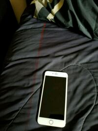 white and black iPhone  Suitland-Silver Hill, 20746