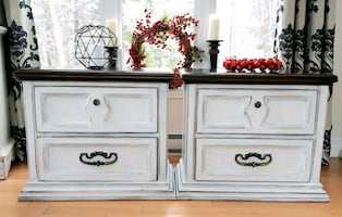 Gorgeous 2 wood night stands