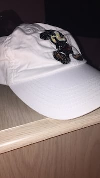white Mickey Mouse printed fitted cap