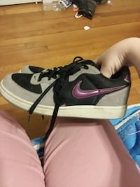 Size 7 nike shoes Picayune, 39466