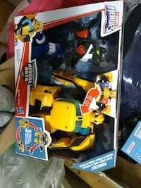 Brand new playskolol here is transformers rescue bit bumblebee toy set Toronto, M4C 4X6