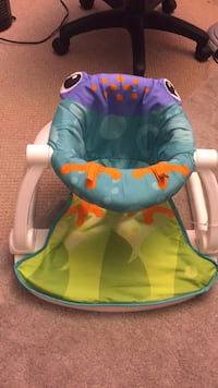 baby's blue and green bouncer Bladensburg, 20710