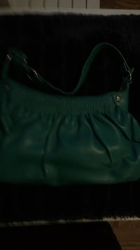 women's green leather shoulder bag Maple Ridge, V2X 3G6