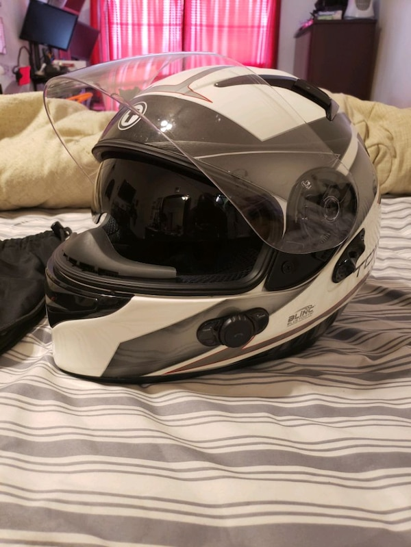 TORC Bluetooth Motorcycle Helmet XL. 1