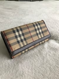 Classic burberry leather long wallet