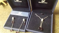 *NEW* Swarovski necklacec and earrings with boxes Surrey, V3W