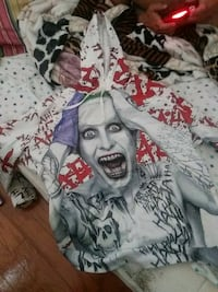 Polyester joker hoodie only been wore 1* to small