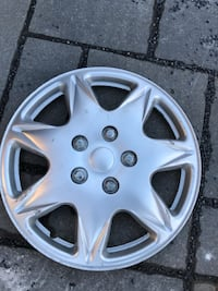 4 hubcaps 16'' (negotiable price) Laval