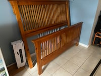 Queen bed frame Silver Spring, 20905