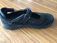 Runoff shoes woman size 6.5 Halifax, B3S 0G7