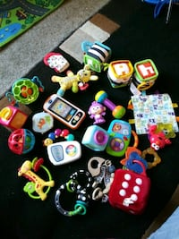24 pcs Baby Toys. Take All for $15 dls