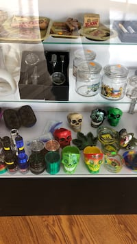 assorted ceramic mugs and cups Kenner, 70062
