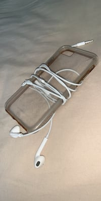 Clear phone case and earphones  Toronto, M9P 2K7