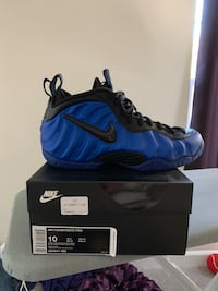 unpaired blue and black Nike Foamposite Pro with box Frederick, 21703
