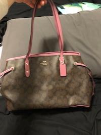 Coach Purse- barely used Oakville, L6H