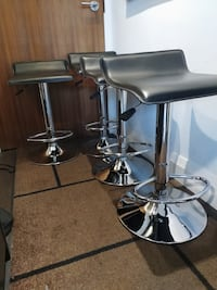 4 Adjustable Swivel Airlift Stools Toronto