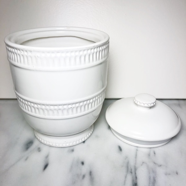Cream Jar with Lid 5369a67a-0f40-4995-a120-2c5611df02d5