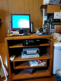 Windows computer with desk and screen. Queens, 11357